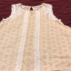 Lauren Conrad sleeveless top size M lace